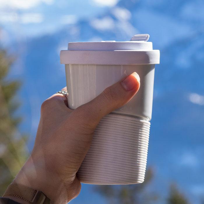 Coffee to go Mehrwegbecher aus Porzellan sind Naturprodukte - Mahlwerck Shop
