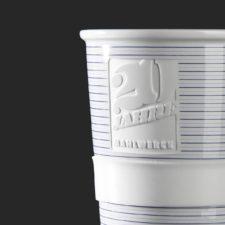 Jubiläumsbecher mit Logo Gravur - Mahlwerck Porzellan