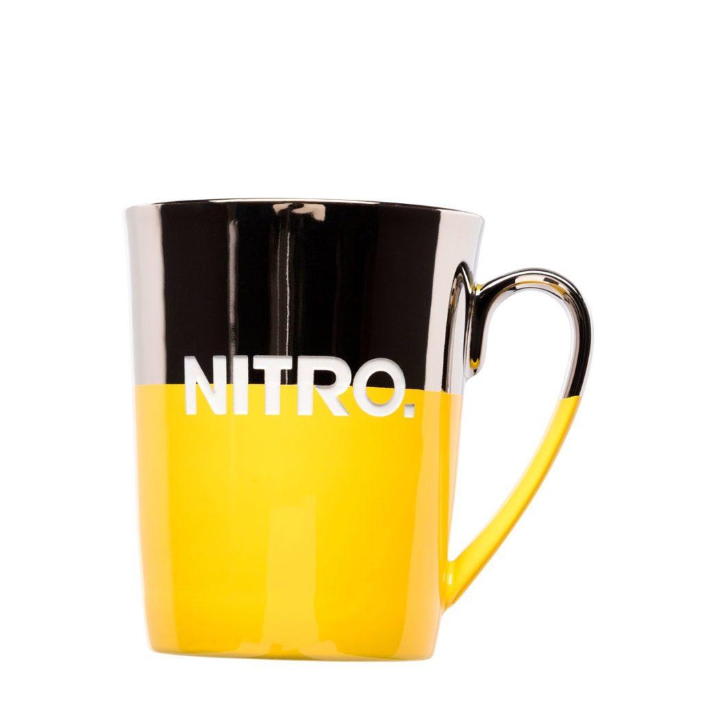 Eye-catching mug as a promotional item with nanometal and engraving - Mahlwerck porcelain