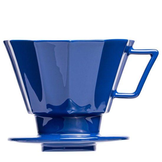 Kaffee aufgießen mit extravagantem Kaffeefilter Aufsatz - Mahlwerck Porzellan
